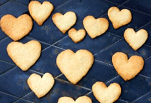 If its Valentines why not give your Furry Friend and 'hearty' fish treat!